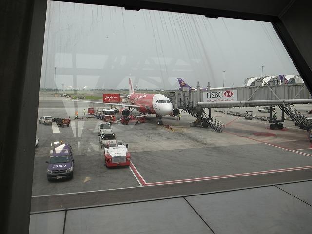 格安航空券比較サイト・スカイスキャナー、格安航空エアアジアを使う