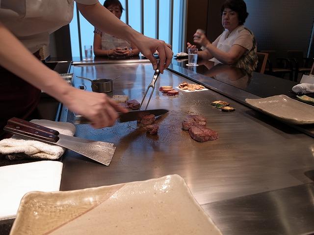 神戸牛のステーキを食べに鉄板焼き「北野」へ