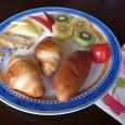 暑い夏も終わり、パンも自然任せで美味しくつくれる時期です。 すべての工程で読み通りの結果が得られるのもこの季節ですね。 思い通りの味と形!作りがいもあります。 鴨川で買ってきた紫芋、これを使って餡をつくりました。 皮を厚 […]