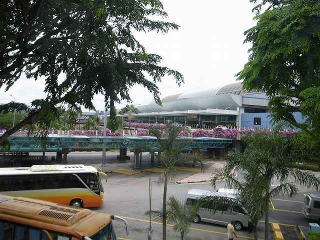 シンガポール・MRTで空港まで