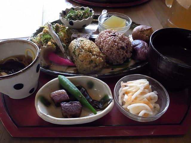 沖縄自然食のお店・cafe こくう&笑味の店