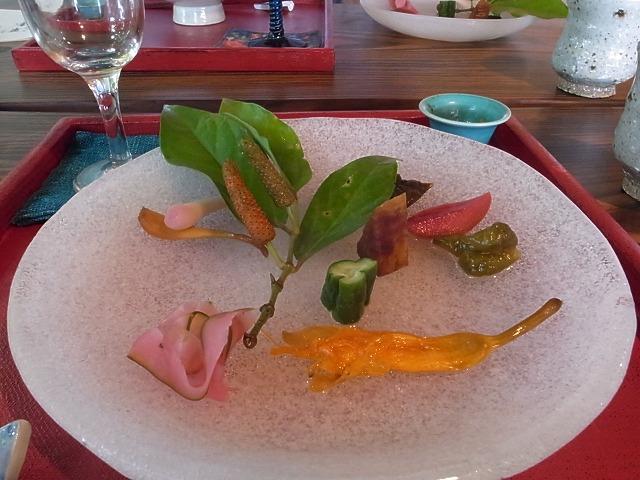 沖縄で美味しいお料理見つかりました譚亭