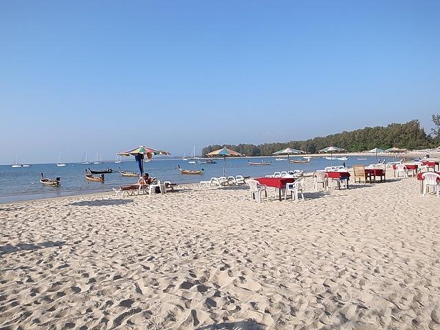 ナイヤンビーチのおすすめレストランは、オクトパスとナイヤンシーフード