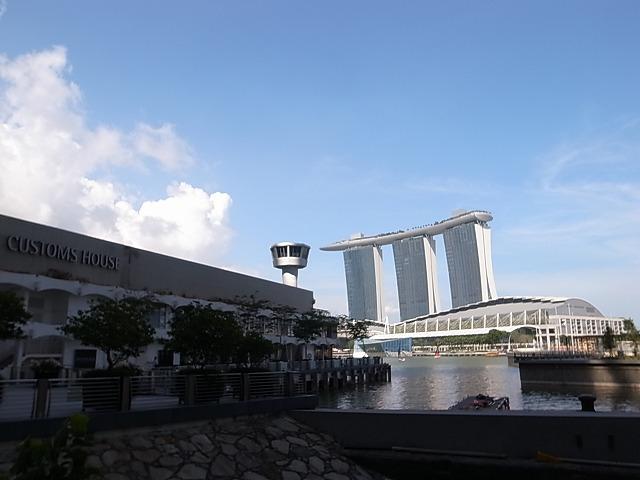 シンガポール マリーナ湾を小さく一周散歩(マリーナベイサンズ、ベイフロント、マーライオン)