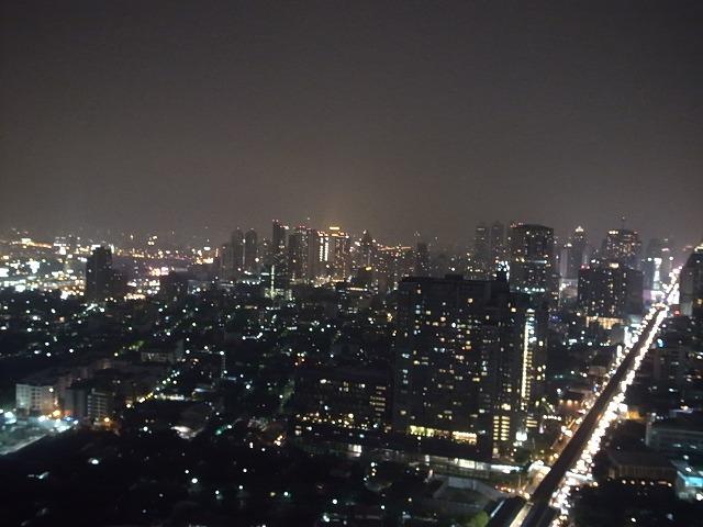 バンコク マリオット(スクンビットsoi57)はオープンエアの屋上からの夜景がステキ