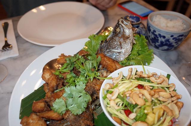 プーケットタウンのタイ料理レストラン(Tu kab khao)