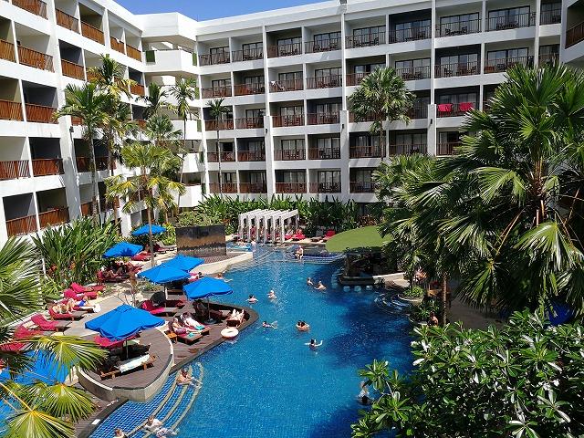 パトンのホテルDeevana Plaza Phuket Patong