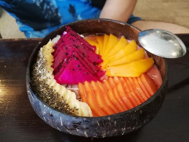 クタで食べたスムージーボウル【Beach Bowl BaliとCoco Bistro】